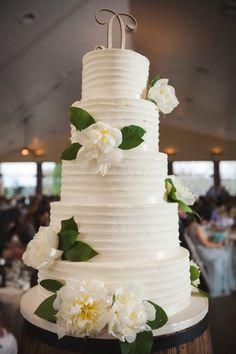 white buttercream wedding cake | Knoxville Wedding Hunter Valley Farm | JoPhoto | Via MountainsideBride.com