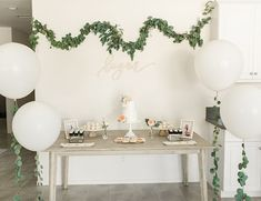 Gold & Greenery Woodland Baby Shower - Inspired By This Deco Baby Shower, Shower Bebe, Shower Party, Baby Shower Parties, Baby Shower Themes, Baby Boy Shower, Shower Ideas, Unisex Baby Shower, Baby Shower Table