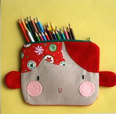 Holiday zipper pouch
