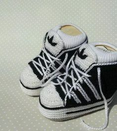 So cute more crochet adidas baby sneakers. Baby Knitting Patterns, Baby Booties Knitting Pattern, Crochet Baby Booties, Baby Blanket Crochet, Knitted Booties, Knitting Charts, Crochet Beanie, Adidas Baby, Baby Converse