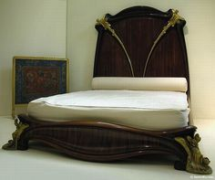 Posts about Art Nouveau written by Tobe Damit Mobiliário Art Nouveau, Art Nouveau Interior, Art Nouveau Furniture, Furniture Design, Arts And Crafts Movement, King Beds, Villa, Decoration, Interior Design