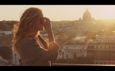 """""""Ear,Pray, Love"""", based on the novel by Elizabeth Gilbert. An incredible view from Castel S. Eat Prey Love, Eat Pray Love Movie, Come Reza Ama, Film Books, Julia Roberts, Romantic Movies, Life Is Beautiful, Beautiful People, Music Tv"""
