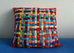 My world of crochet: Flechtkissen done!