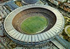 O Maracanã é o maior estádio de futebol do Brasil e também é um dos principais cartões postais do Rio de Janeiro.