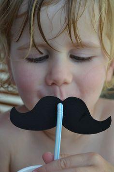 Paille moustache!