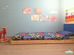 Quandofuoripiove: Il lettino montessoriano del bimbo che dorme fra le stelle...
