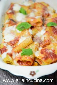 Paccheri alla mediterranea gratinati in forno Rigatoni, Crepes, Pizza Recipes, Cooking Recipes, I Love Food, Good Food, Italy Food, Italian Pasta, Stuffed Hot Peppers
