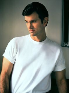 Chris Isaak, How young!
