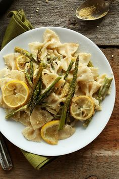 Budget Date Recipes | Creamy Vegan Lemon Asparagus Pasta by Homemade Recipes at http://homemaderecipes.com/course/desserts/24-amazing-first-date-dinner-recipes