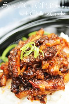 Octopus Recipe: Spicy Octopus with Chilli and Garlic Recipe Food Asian Share and enjoy! Garlic Recipes, Spicy Recipes, Fish Recipes, Seafood Recipes, Asian Recipes, Cooking Recipes, Healthy Recipes, Ethnic Recipes, Fish Dishes