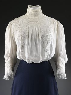Blouse Place of origin: Great Britain (made) Date: ca. 1908 (made) Artist/Maker: Unknown Materials and Techniques: Embroidered lawn, machine-made lace insertions, mother-of-pearl Museum number: Edwardian Gowns, Edwardian Clothing, Historical Clothing, Edwardian Costumes, Vintage Clothing, 1900s Fashion, Edwardian Fashion, Vintage Fashion, Edwardian Style