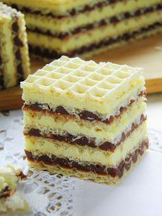 Sio-smutki: Dwukolorowe wafle Polish Desserts, No Cook Desserts, Polish Recipes, Homemade Desserts, Homemade Cakes, Delicious Desserts, Sweet Recipes, Cake Recipes, Dessert Recipes
