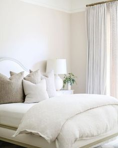 Home Decoration Ideas Curtains Creating a simple cozy bed - Pure Collected Living. Home Decoration Ideas Curtains Creating a simple cozy bed - Pure Collected Living Home Decor Bedroom, Modern Bedroom, Bedroom Furniture, Living Room Decor, Master Bedroom, Master Suite, Bedroom Ideas, Bedroom Designs, White Bedrooms