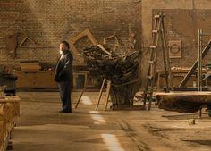 Ai Weiwei in his studio in Caochangdi, Beijing, taken in April 2015. Ai Weiwei in his studio in Caochangdi, Beijing, taken in April 2015 Ai Weiwei retratado en el estudio de Pekín en el que lleva trabajando desde 1999 (Courtesy of Ai Weiwei Studio. All images courtesy Ai Weiwei © Harry Pearce/Pentagram 2015) Ver más en: http://www.20minutos.es/fotos/artes/primera-gran-retrospectiva-de-ai-weiwei-en-londres-11611/#xtor=AD-15&xts=467263
