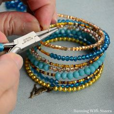 Wire Jewelry Make a Boho-chic wrapped bracelet using memory wire. It's super easy and looks great! We'll show you how! - Make a Boho-chic wrapped bracelet using memory wire. It's super easy and looks great! We'll show you how! Memory Wire Jewelry, Memory Wire Bracelets, Diy Jewelry, Beaded Jewelry, Handmade Jewelry, Jewelry Making, Hippie Jewelry, Jewellery, Memory Wire Rings