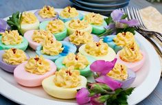 deviled easter eggs...so pretty!
