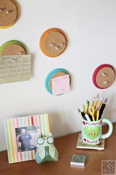22. #Circle Cork Boards - 34 DIY Dorm Room #Decor Projects to #Spice up Your Room ... → DIY #Picture