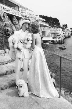 Natalia Vodianova and her former husband Justin Portman by Mario Testino for Vogue US July 2007 Mario Testino, Natalia Vodianova, French Poodles, Standard Poodles, Mini Poodles, Toy Poodles, Vogue Us, Oui Oui, Puppies