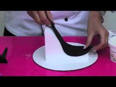 Stiletto High Heel Shoe Kit Demo By Lisa Mansour New York Cake. - YouTube
