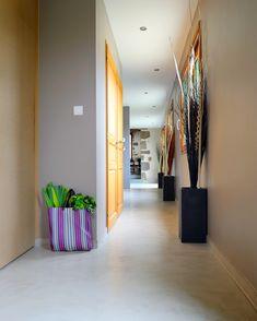 💯😍 #Nuantis® Ciré est un mortier millimétrique de décoration intérieure applicable pour les constructions neuves et en rénovation. Ils permettent de créer des surfaces colorées et nuancées sur différents supports (sol, mur, mobiliers).  ••••••••••••••••••••••••••••••••••••••••••••••••• #decor #beton #concrete #waxedconcrete #construction #readymix #picoftheday #amazing #architecture #architecturelover #moderndesign #architecturephotography #archdaily #architexture #home #house