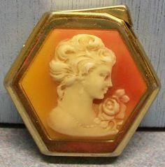 Vintage Royal Elsa Piezo Cigarette Lighter.