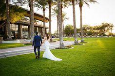 Kiva Club Weddings | Arizona Wedding Venue | Trilogy at Vistancia | Golf Course | Clubhouse | Palm Trees | Green Grass | Bride & Groom | Romantic | Photography | Cyndi Hardy Photography