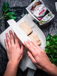 Osaatko käsitellä tofun oikein? – Viimeistä murua myöten Laksa, Formal Dinner, Tofu, Yummy Food, Bread, Baking, Recipes, Delicious Food, Brot