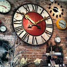 This is the clock I have been looking for. It does not show where this clock is available. Big Clocks, Cool Clocks, Large Clock, Tick Tock Clock, Unusual Clocks, Father Time, Time Clock, Sistema Solar, Arte Popular