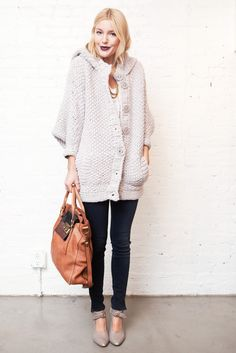 oversized sweater w/ skinny jeans, pointy shoes + giant bag