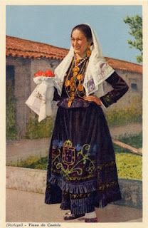 (PORTUGAL) - Viana do Castelo - Traje de Mordoma Costumes Around The World, Portuguese Culture, Folk Clothing, Spain And Portugal, Folk Costume, Fashion History, Traditional Dresses, Style Inspiration, Yearning