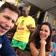Captain Ray Holt, everybody : pics Best Tv Shows, Favorite Tv Shows, Brooklyn 99 Cast, Brooklyn Nine Nine Funny, Jake And Amy, Jake Peralta, Uber Humor, Babe, Movies And Series