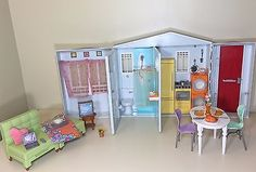 2005 Mattel Barbie  TOTALLY REAL HOUSE PLAYSET Dollhouse Furniture SOUNDS