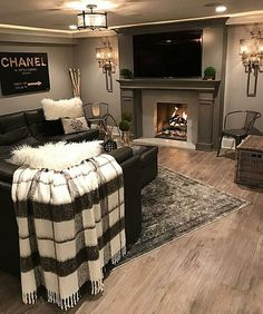 Basement decor Source by skyydaniels The post Woman cave? Basement decor appeared first on Jims Home Designs. Home Living Room, Living Area, Cozy Living Room Warm, Sconces Living Room, Small Living, Modern Living, Living Room Decor Elegant, Manly Living Room, Classy Living Room