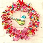 valentine day, crafti, holland fabric, rag wreaths, scrap wreath, fabric wreath, christmas paper, diy, sewing patterns