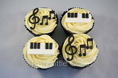 Make cupcakes with a nurse theme- stethescope, thermometer, etc Themed Cupcakes, Cute Cupcakes, Cupcake Cookies, Party Cupcakes, Piano Cakes, Music Cakes, Violin Cake, Cupcake Heaven, Little Cakes