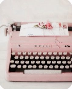 Pink Vintage Typewriter ~ I Heart Shabby Chic: Shabby Chic Spring Pastel Heaven Decorating Ideas