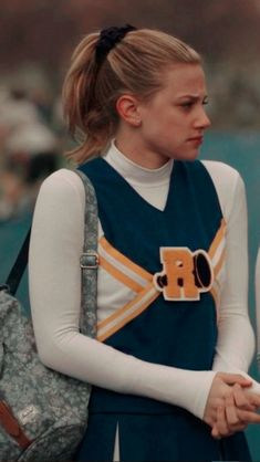 Betty Cooper Riverdale, Riverdale Cheryl, Riverdale Cast, Riverdale Betty And Veronica, Bff, Archie Comics Riverdale, Wallpaper Tumblr Lockscreen, Betty & Veronica, Cute Disney Pictures