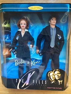 Mulder and Scully Barbie Doll Giftset! I kind of hate barbie, but I still want this. Barbie Y Ken, Ken Doll, Barbie Dolls, Bad Barbie, Burlesque, Imagination Toys, Dana Scully, Disney Dolls, Barbie Collection