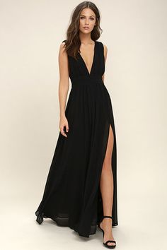 Lulus Exclusive! You'll be goddess-like for the entire evening in the Heavenly Hues Black Maxi Dress! Georgette fabric drapes alongside a V-neck and back, and lays across a banded waist. Full maxi skirt has a sexy side slit. Hidden back zipper with clasp.