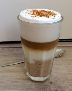 Oatmeal latte – Sport Foodblog Hot Coffee, Coffee Time, Latte, Dessert Illustration, Other Recipes, Pasta Recipes, Christmas Time, Oatmeal, Good Food