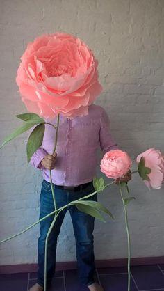 Большие, огромные цветы из итальянской гофрированной бумаги. Под заказ любой размер, цвет, форма, дизайн цветка. Для изготовления потребуется ... Diy And Crafts, Paper Crafts, Paris Party, Crown Jewels, Flower Crafts, Kids And Parenting, Paper Cutting, Quilling, Paper Flowers