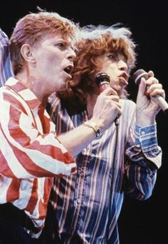 Bowie  with  friend  Mick   They  was  friends  Unfortunately  Bowie    live  us  RIP  David