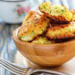 Gogosi de dovlecei Potato Salad, Gem, Muffin, Potatoes, Dishes, Ethnic Recipes, Food, Muffins, Plate