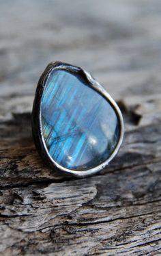 natural blue fire labradorite stone, Shiny Labradorite ring, shining ring, summer love, statement ring, boho, magical, eco tin, mariaela