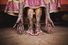 Gorgeous Henna found @ (Benj Haisch). this one's too good not to post again. love.