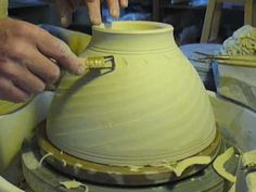 beautiful video Fluting a bowl, long graceful curves, complete mastery of the process. pottery ceramics clay