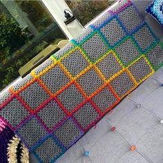Gri seven bir ben  Haftasonuna planlar yapmıştım ama hava soğudu iyi mi? Ay bitsin artık bu kış ben çok sıkıldım  Yaşasın mevsimlerden bahar  . Pinterest'ten alıntıdır  . . . . . . #crochet #crocheting #crochetersofinstagram #crocheted #crochetlove #instacrochet #yarn #knitting #knitaddict #instaknit #knitlove #knittersofinstagram #örgü #örgümodelleri #tığişi #elisi #elemegi #pattern #motif #patik #blanket #bebekbattaniyesi #handmade #yarnaddict #crochetlove #crochetaddict #örgümüsev