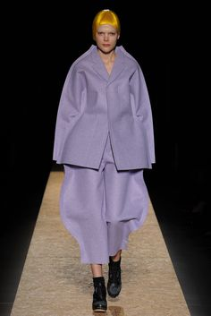 Comme des Garçons - Fall 2012 Ready-to-Wear - Look 3 of 40