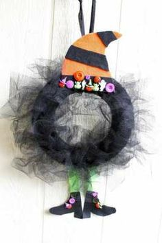 Witch Wreath — craftbits.com #craft #diy