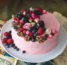 Juicy summer cakes to melt away - Kuchen // Süßes // Dessert - kuchen Pretty Cakes, Beautiful Cakes, Amazing Cakes, Gorgeous Gorgeous, Beautiful Desserts, Beautiful Birthday Cakes, Food Cakes, Cupcake Cakes, Fruit Cakes